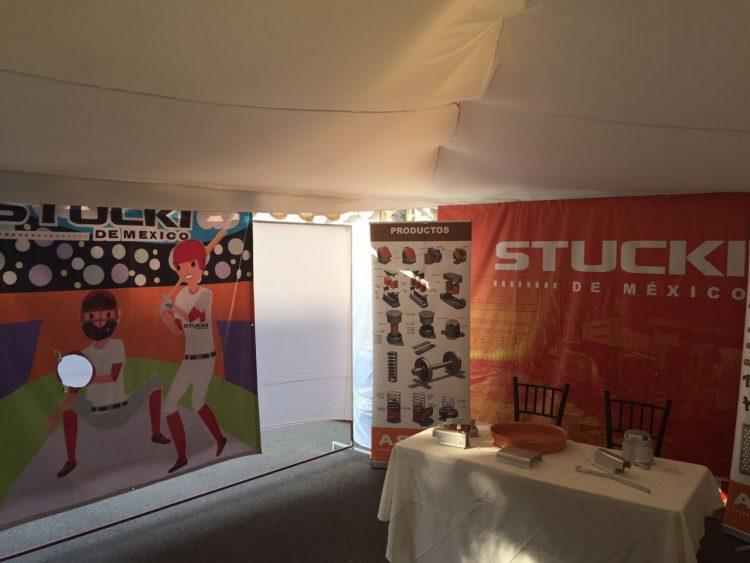 Display publicitario STUCKI para expo industrial 2