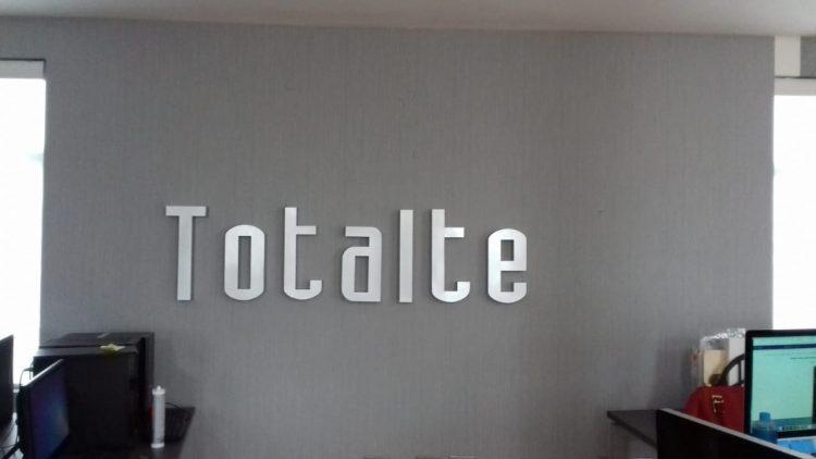 Instalación de letrero