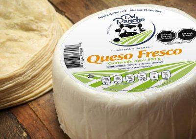 Diseño de etiqueta adhesiva para queso directito del rancho